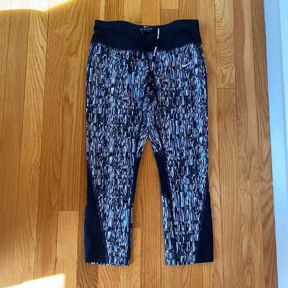 Nike running leggings Capri size small